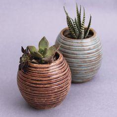 #CONO06 es una empresa que desarrolla diseño artesanal en cerámica para la región, situado en Tijuana, Baja California.