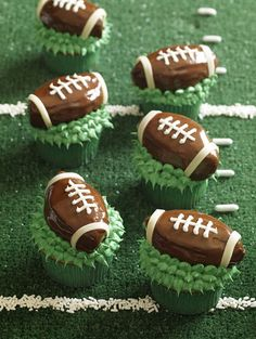 Hello, Cupcake football cupcakes by Rachel from Cupcakes Take the Cake, via Flickr #UltimateTailgate #Fanatics