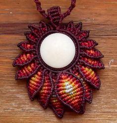 Macrame necklace flower with natural tagua disc por KolumbienArte