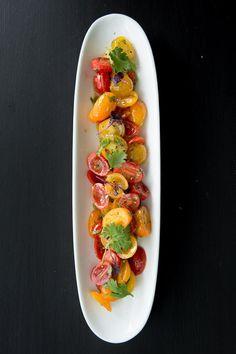 Tomaten-Koriander-Salat mit brauner Butter
