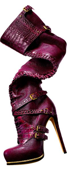 Christian Dior Seguici diventa nostra fan ed entrerai nel mondo fantastico del Glamour  Shoe shoes scarpe bags bag borse fashion chic luxury street style moda donna