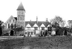Old photo of The Priory Davington. The childhood home of Peaches Geldof, where her mother Paula Yates ashes are schattered and Peaches ashes are to be scattered as well. Peaches Geldof, Bob Geldof, Nostalgic Pictures, Historical Pictures, Old Photos, Notre Dame, The Outsiders, Most Beautiful, Castle