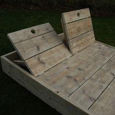 Ligbed in gebruikt steigerhout