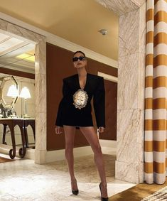 Hailey Baldwin, Red Carpet Looks, Blazer Dress, Couture Dresses, Gala Dresses, Lbd, Las Vegas, Leather Skirt, Celebrity Style