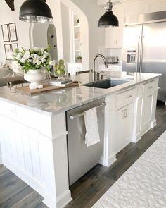 Kitchen decor and kitchen ideas for all of your dream kitchen needs. Modern kitchen inspiration at its finest. Home Decor Kitchen, New Kitchen, Home Kitchens, Kitchen Dining, Kitchen Cabinets, Dream Kitchens, Kitchen Ideas, White Cabinets, Kitchen Sinks