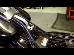 American Motorcycles, Old Motorcycles, Harley Davidson Road Glide, Harley Davidson Sportster, Harley Davidson Pictures, Road Glide Special, Old Bikes, Performance Parts, Video Clip