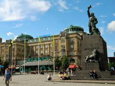 Vaasa square, a statue of the fatherland to the liberators of 1918 I Want To Travel, Finland, Parks, To Go, Louvre, Street View, Map, Statue, World