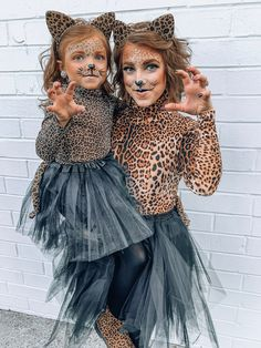 Diy costumes 185210603413551498 - Mommy & Me Halloween Costume Ideas: DIY Leopa. - Diy costumes 185210603413551498 – Mommy & Me Halloween Costume Ideas: DIY Leopard Costumes – So - Costume Halloween Famille, Halloween Costume Couple, Couples Halloween, Best Couples Costumes, Cute Halloween Costumes, Halloween Kostüm, Family Halloween, Diy Costumes, Costumes For Women