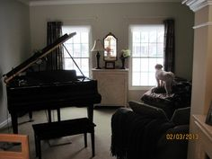 Decorating around a baby grand piano in a small living room - Home Decorating & Design Forum - GardenWeb Grand Piano Room, Piano Room Decor, Rooms Home Decor, Diy Home Furniture, Living Room Furniture Layout, Music Studio Decor, Acorn And Oak, Baby Grand Pianos, Living Room With Fireplace