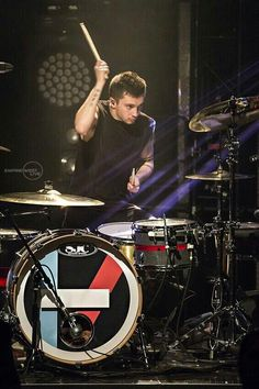 ty on da drums