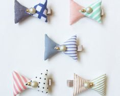 Etsy の Fabric Jewels Hair Clips by HOMAKO