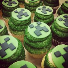 can just use with any cupcakes but just add fondant tops. Minecraft Birthday Party, Boy Birthday Parties, Birthday Fun, Birthday Ideas, Mindcraft Party, Minecraft Cupcakes, Wedding Cupcakes, Diy Party Decorations, Cupcake Cakes