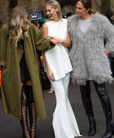 They All Hate Us bloggers Elle Ferguson (left) and Tash Sefton (right) with Kiwi model Nikki Phillips