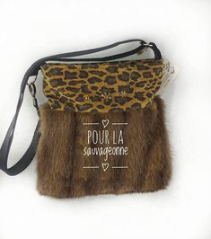 Sac en fourrure et cuir recyclés g-42 Etsy Seller, Recycling, Canada, Crafts, Recycled Leather, Fur, Unique Jewelry, Bag, Manualidades