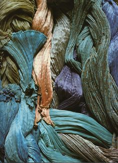 Fortuny101.jpg Fabrics.  Another case of raw materials I love so much, I'll display them in a simple, elegant black basket.