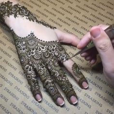 Beautiful henna by syraskins Beautiful henna by syraskins ,Maroc Related Latest Arabic Mehndi Designs for hands Henna Hand Designs, Eid Mehndi Designs, Mehndi Designs For Beginners, Modern Mehndi Designs, Beautiful Henna Designs, Latest Mehndi Designs, Mehndi Designs For Hands, Henna Tattoo Designs, Henna Tattoo Hand