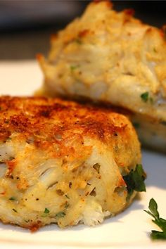Photos and tips for tasty crab cakes that don't crumble! Trusted crab cake recipes from Cajun-style to Maryland crab cakes. Crab Cake Recipes, Fish Recipes, Seafood Recipes, Cooking Recipes, Crab Cakes Recipe Best, Salmon Recipes, Potato Recipes, Vegetable Recipes, Cooking Tips