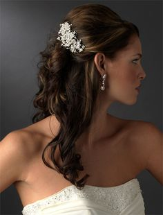 Mollie Rhinestone & Pearl Comb, Bridal Hair Accessories.. to go with my veil