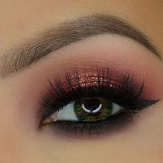 Burgundy eyeshadow look