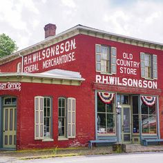 General stores are a symbol of a bygone era, but many are thriving today! Take a look at the general stores where neighbors gather to shop, eat and gossip. Unique Buildings, Interesting Buildings, Old Buildings, Old General Stores, Old Country Stores, Brick Store, Small Town America, Shop Fronts, Handmade Furniture