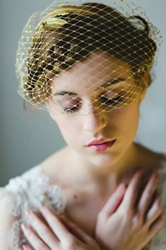 Gold Birdcage Veil  Organic and earthy wedding ideas   Photo by Cinzia  Bruschini   100 Layer Cake