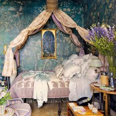 Canopy beds. Yes or YES?! \\ Image via: sarahsarna.com. #InteriorDesigner: @howardslatkin. #decor #decorate #decorating #design #designinspo #designideas #dekor #decoração #home #homedecor #homedesign #homeideas #inspo #instahome #instadecor #instadesign #interiordesign #interior4all #interior #interieurs #interiors #interiorstyle #interiordesignideas #lifestyle #livingspaces #luxury #roominspiration