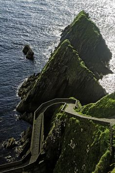 Donegal, Ireland. Aaahck...just a mere stretch-o-the legs! ~W