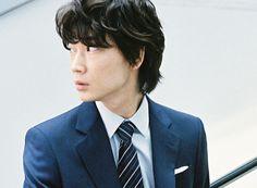 自由は決して滅びることはない。綾野剛 Go Ayano Asian Male Model, Male Models, Preppy Men, Preppy Style, Actor Model, Japanese Men, Cute Boys, Actresses, Actors