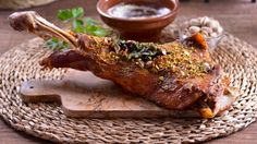 Cordero con Labna y pistachos (Khuruf Bel Lebna) - Najat Kaanache - Receta - Canal Cocina