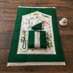Islamic Decor, Islamic Wall Art, Islamic Gifts, Ramadan Crafts, Ramadan Decorations, Ramadan Activities, Embroidery Patterns Free, Quilt Patterns, Handmade Crafts