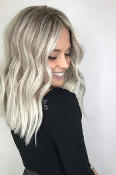 Best Blonde Hair Color Shades with Shadow Roots in 2018 - Platinum Blonde Hair Blonde Hair Colour Shades, Cool Blonde Hair, Cool Hair Color, Blonde Curls, Curls Hair, Blonde Waves, Hair Colours For Pale Skin, Blonde Hair For Winter, Bleach Blonde Hair With Roots
