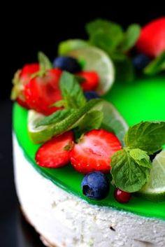 Kakkuviikarin vispailuja!: Lime -valkosuklaajuustokakku Cheesecakes, Fruit Salad, Lime, Baking, Food, Mascarpone, Fruit Salads, Limes, Bakken