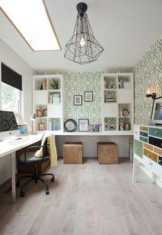 J'aime les meubles IKEA sur le bureau