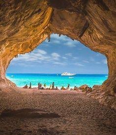 Moon Beach, Sardinia, Italy - The World Travel Cool Places To Visit, Places To Travel, Moon Beach, Italy Holidays, Destination Voyage, Visit Italy, Toscana, Travel Abroad, Italy Travel