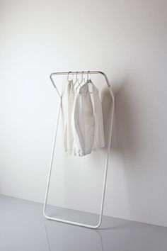 Minimalistic Coat Stand by Peter van de Water for Cascando via Kenderfrau
