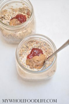 This Almond Butter Jelly Overnight Oats is the easiest breakfast you will ever make. Make 5 at a time for healthy breakfasts all week! Vegan & gluten free