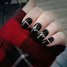 20 Majestic Black and White Nail Art Designs For 2018