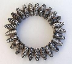Bracelet Triangles - Le blog de Dollypop - Jean Power design
