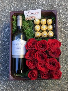 Wine Presents, Wine Gifts, Flower Box Gift, Flower Boxes, Gift Box For Men, Bff Birthday Gift, Birthday Balloon Decorations, Wine Gift Boxes, Christmas Gift Baskets