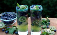 On met de côté les boissons trop sucrées (et coûteuses) et on préfère lasuper eau fruitéedeNeuf Mois, faite maison, une recette toute simple composéed'