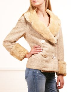 Nina Ricci beige double-breasted button-down vintage wool coat with fur collar and cuffs