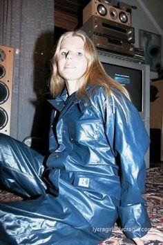 Blue Raincoat, Pvc Raincoat, Plastic Raincoat, Imper Pvc, Rain Bonnet, Vinyl Clothing, Rubber Raincoats, Rain Gear, Sport Wear