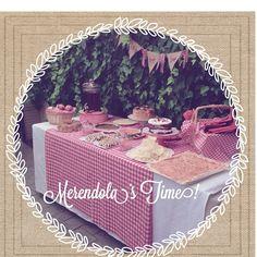 Picnic dessert table