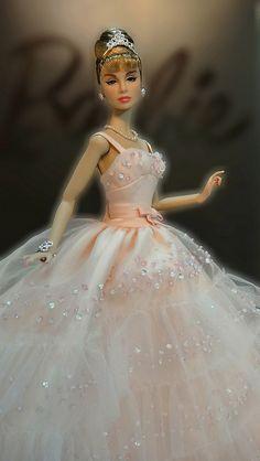 Audrey Hepburn : Barbie Doll