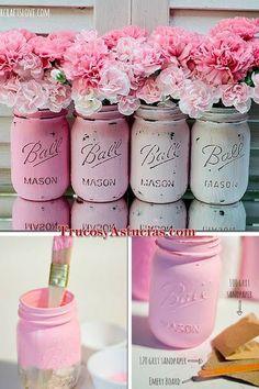 How to paint and distress mason jars. Wedding ideas with mason jars. Crafts For Teens To Make, Crafts To Sell, Easy Crafts, Diy And Crafts, Kids Diy, Easy Diy, Pot Mason, Mason Jar Crafts, Room Deco