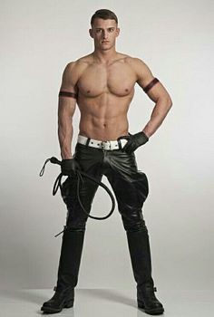Leather, boots and white belt. Looks like a circus lion-tamer. Biker Leather, Leather Men, Leather Boots, Black Leather, Leather Trousers, Leather Fashion, Mens Fashion, Hard Men, Guy Pictures