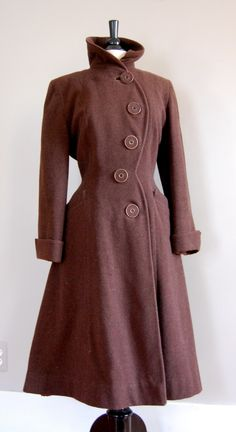 Vintage Fitted Princess Wool Coat (love the curving row of buttons). by locriel K Fashion, 1940s Fashion, Fashion History, Vintage Fashion, Fashion Design, Winter Fashion, Trendy Fashion, Fashion Models, Fashion Shoes