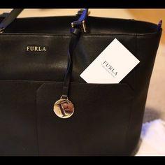 Furla Musa Medium Saffiano leather tote Rich Saffiano leather style with  classic 1cd258b7cdd31