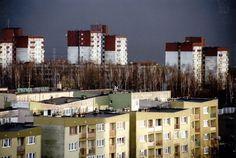 Osada; osiedle i dzielnica - Budynek zabudowa klatkowo-sekcjowa, układ punktowy, lata 70, Tychy. Foto. Janusz A. Włodarczyk.
