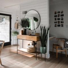 Use these home decor tips to brighten up your house and give it new life. Home decorating is fun and can change your house into a home whenever you learn how to get it done. Home Decor Bedroom, Living Room Decor, Diy Home Decor, Bedroom Ideas, Apartment Living, Home And Living, Sweet Home, House Design, Interior Design